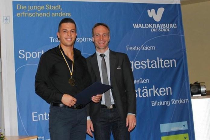 Toni Kraft und Bürgermeister Robert Pötzsch / Foto: Petko´s LMS Promotion