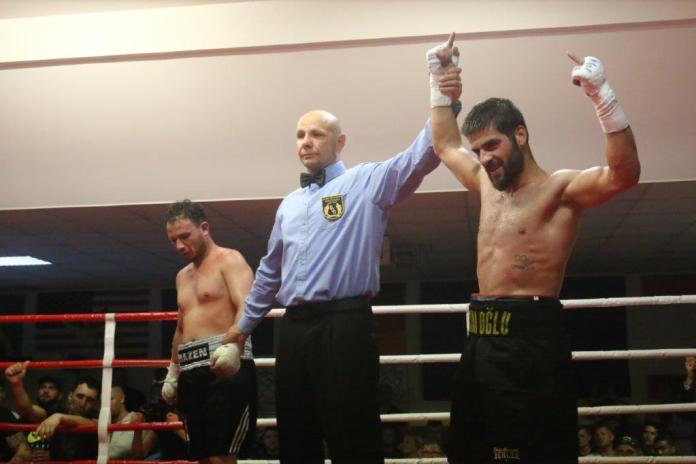 Fatih Keles - Klarer Sieg in Berlin / Foto: EC Boxing