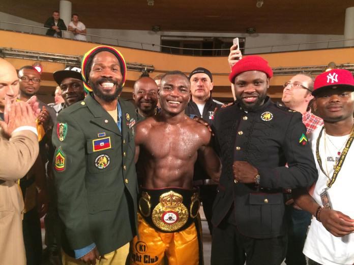 Foto Nuhu Lawal WBA Interconti Champ