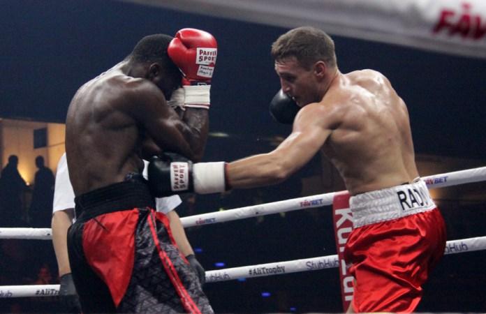 Denis Radovan gewinnt gegen den Franzosen Yann Binanga Aboghe einstimmig nach Punkten