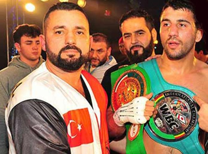 Der türkische Super-Mittelgewichtler und Arena Box-Promotion-Star Avni Yildirim möchte noch in diesem Jahr um den WBC-Titel gegen den WBC Champion David Benavidez kämpfen. Um das zu erreichen muss Yildirim aber erst am kommenden Samstag in Köln-Hürth den früheren Käfig-Kämpfer Ryan Ford aus dem Weg räumen.