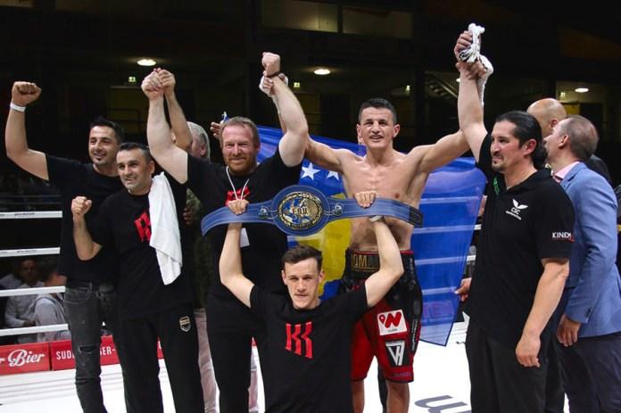 """Robin Krasniqi ist der neue Europameister im Super-Mittelgewicht – mit einer taktischen, boxerischen und physischen Glanzleistung besiegt der Münchener SES-Fighter den Russen Kashtanov. Robin Krasniqi: """"Es ging um alles oder nichts! Mit diesem großen Titel habe ich es endlich geschafft und für mein tollesTeam den Sieg erkämpft. Nun hat SES Boxing drei Europameister!"""""""