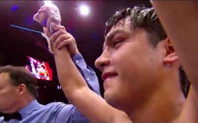 Figueroa vs Burns - Omar Figueroa beats Ricky Burns