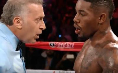 Golovkin vs Monroe Jr - Willie Monroe Jr rises from Gennady Golovkin knockdown