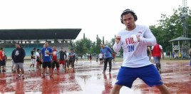 pacquiao continues rocky style