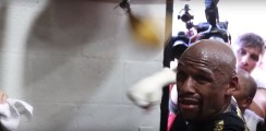 43-Year-Old Floyd Mayweather Returns To The Gym