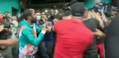 Floyd Mayweather Punches Opponent's Brother Bareknuckle