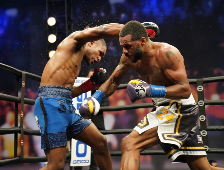 dirrell-davis-fight (25)