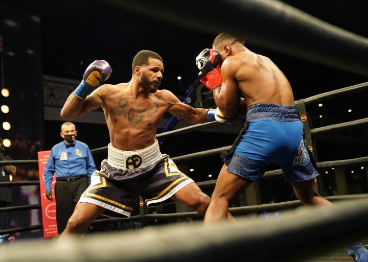 dirrell-davis-fight (35)