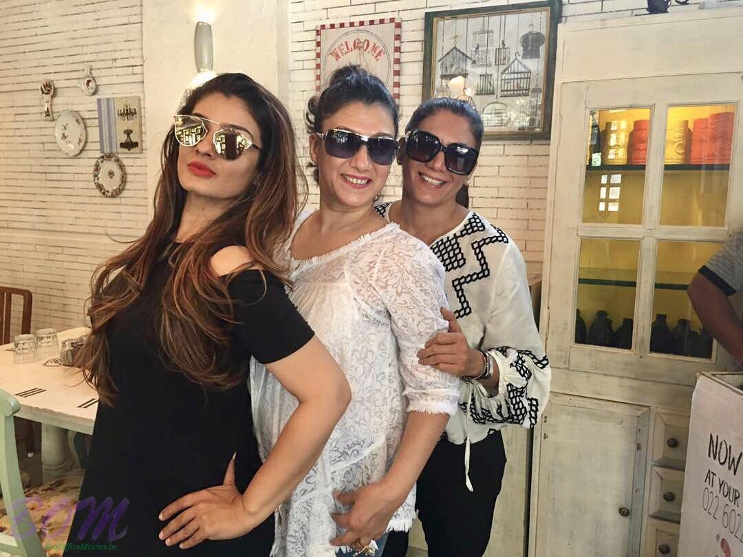 Raveena Tandon when in a lunch with her best friends