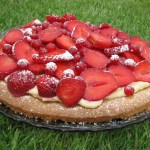 Redcurrant and strawberry cheesecake tart