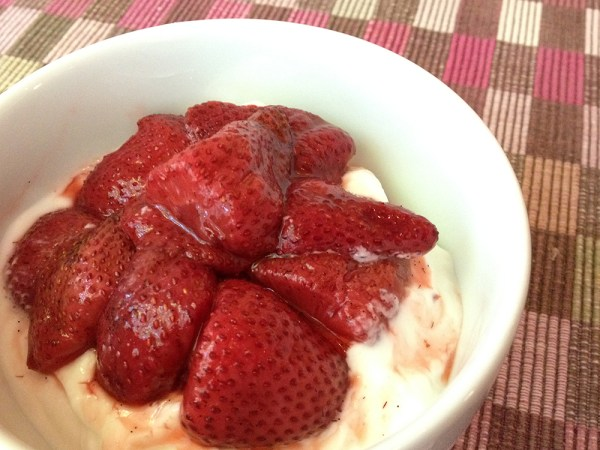 Vanilla roasted strawberries with yoghurt