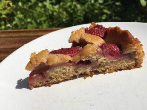 srawberry cake slice