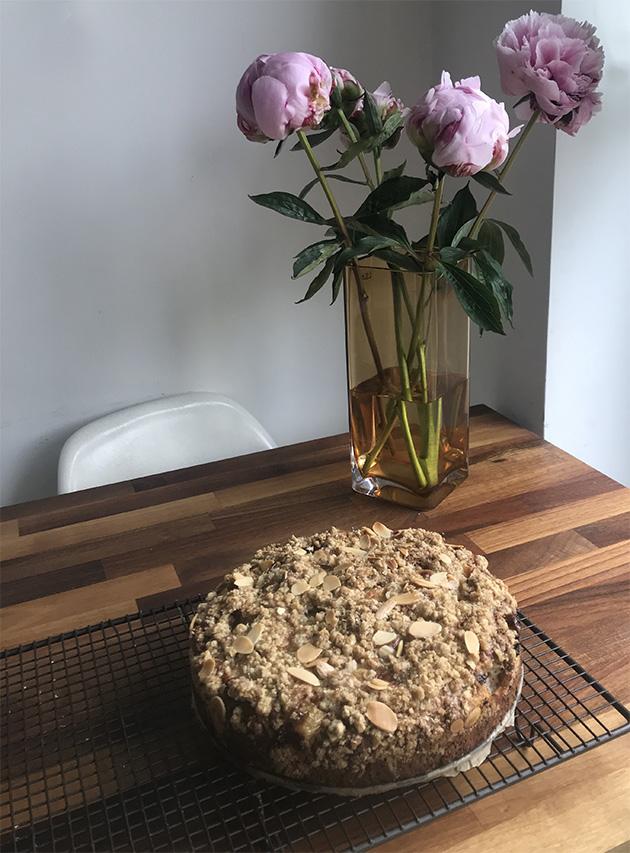 Gooseberry crumble cake