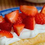 Strawberry cream puff pastry tarts