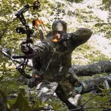 えげつない!アメリカの鹿猟に見るコンパウンドボウの威力!( ;゚Д゚)