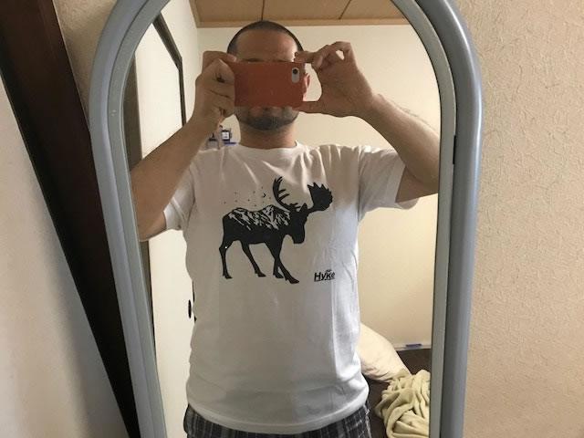 この夏のおされアイテム。ハンター川柳大会の賞品Tシャツを着てみる。