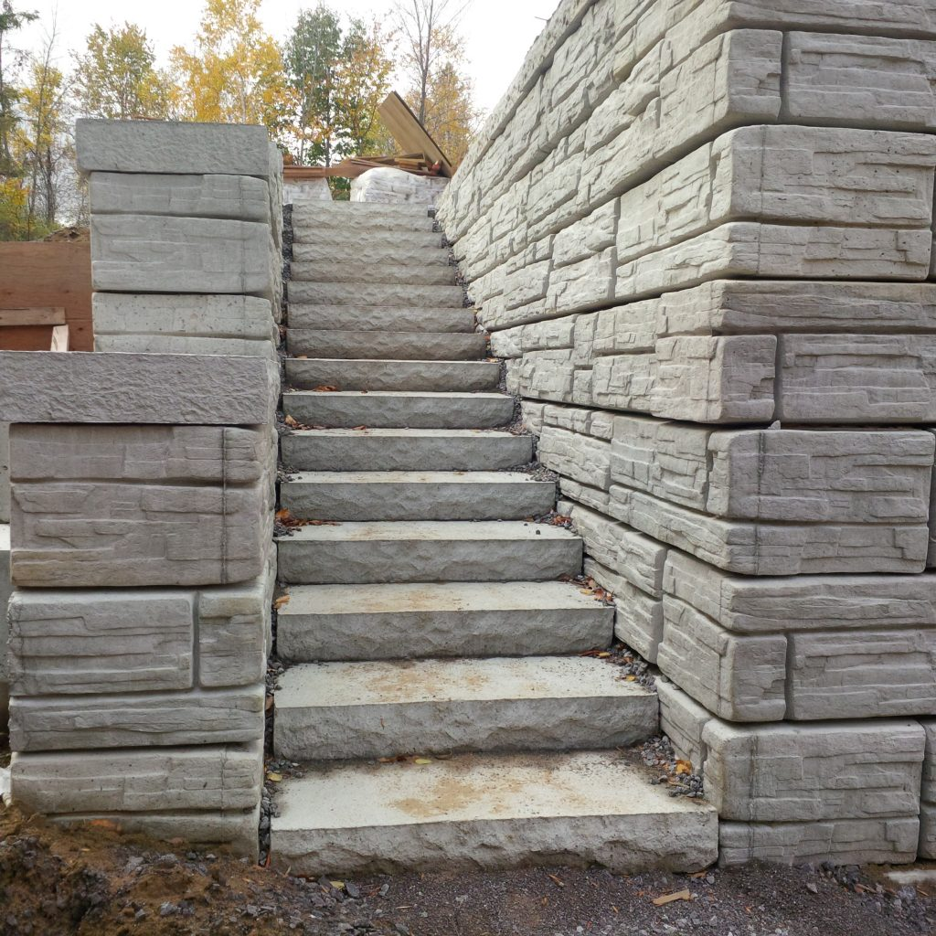 retaining wall with precast concrete steps