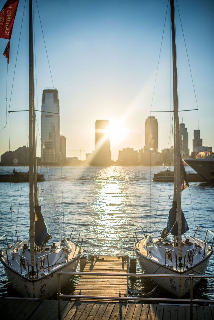 hood-yacht