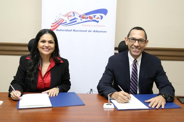 Firman convenio para desarrollo comercial y logístico