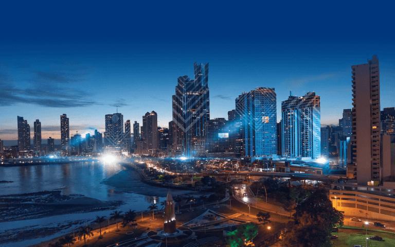 Panamá construirá una moderna aduana en la activa frontera con Costa Rica