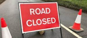 Photo road closed sign