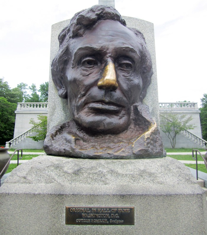 May 7th: Lincoln's Tomb (Springfield, IL)