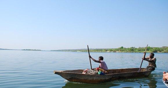 Canoe safari Zambia by Tricia Hayne