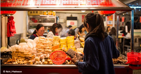 Night market Taiwan by Rich Matheson best markets in the world