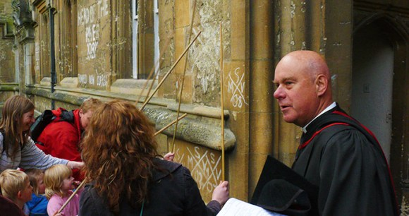 Beating the Bounds Oxford by generalising Flickr