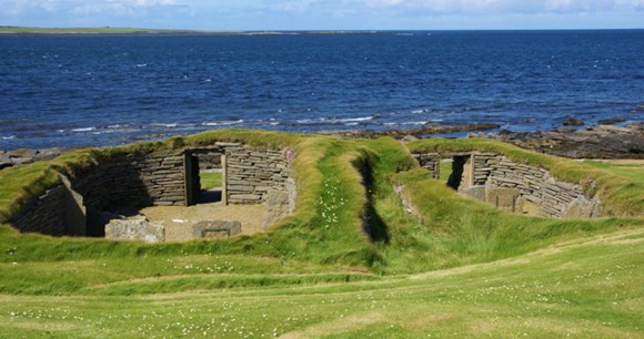 Knap of Howar Papa Westray Orkney by Otter, Wikimedia Commons