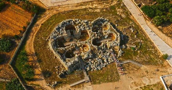 Ggantija Malta by www.viewingmalta.com