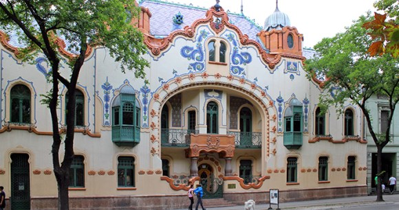 Ferenc Raichle mansion, Subotica, Serbia by Hons084, Wikimedia Commons world's most unusual buildings