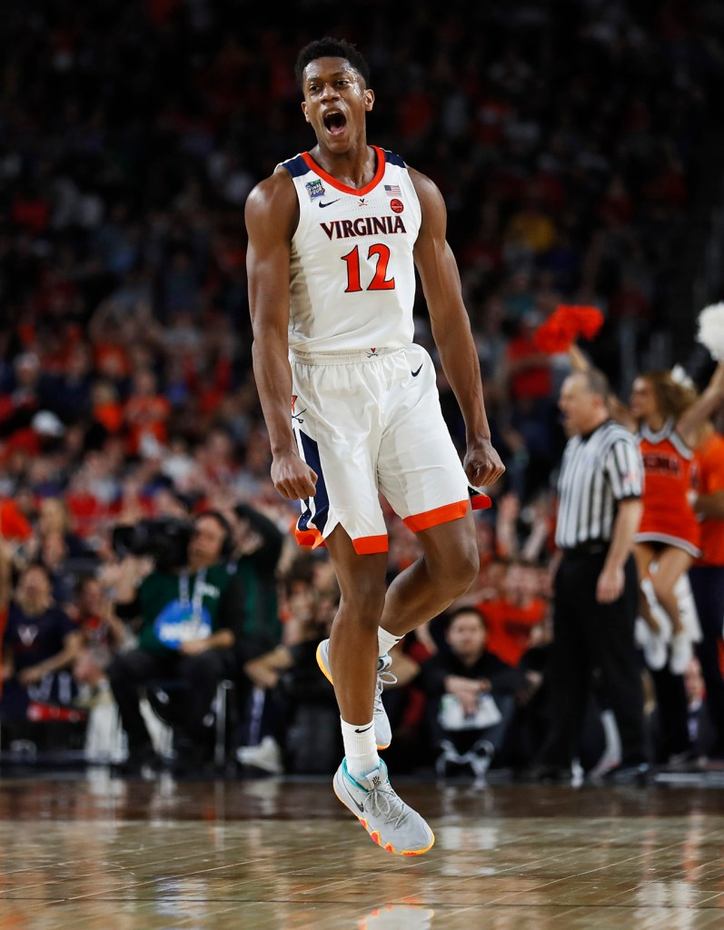 Virginia's De'Andre Hunter (12) reacts after scoring during the men's basketball national championship against Virginia, Monday, April 8, 2019, at U.S. Bank Stadium in Minneapolis, Minn. [Brad Tollefson/A-J Media]