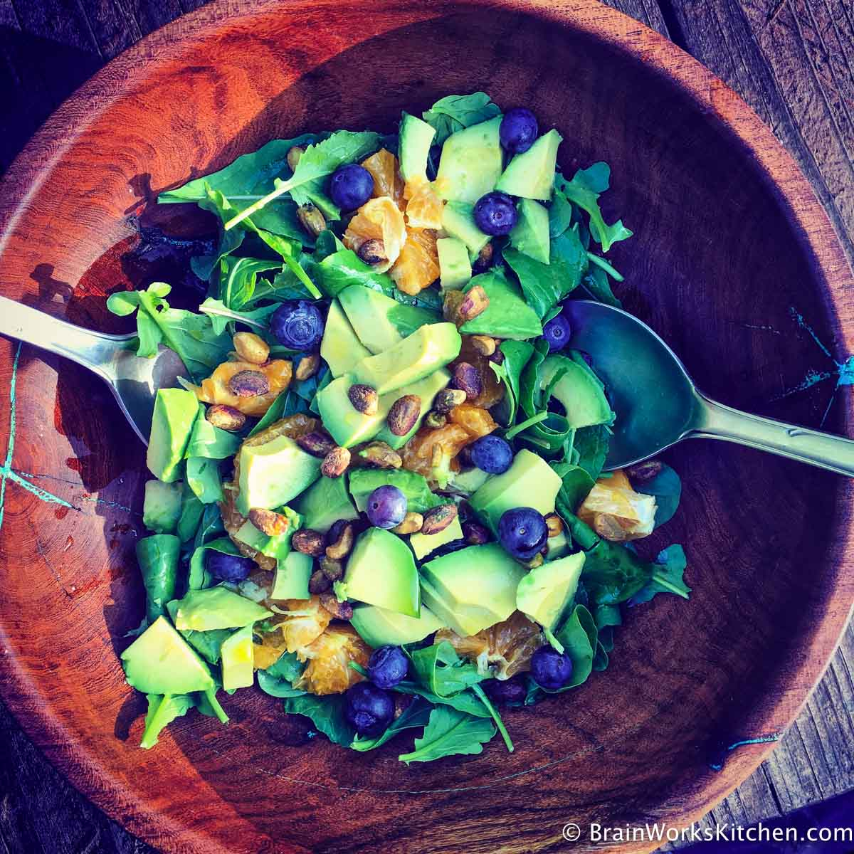 avocado-blueberry-greens-salad-alzheimersprevention| brainworkskitchen.com