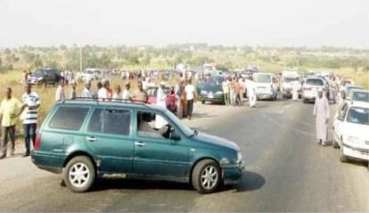Scores Kidnapped As Bandits Block Kaduna-Abuja Road