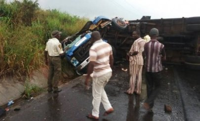 Truck Kills 2 Female Hawkers On Lagos–Ibadan Expressway