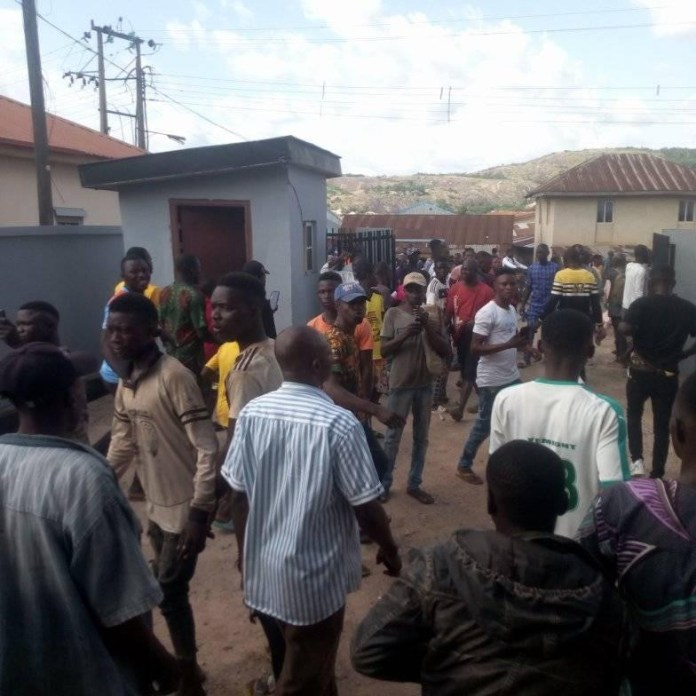 See How Armed Robbers Attacked A Bank In Osun