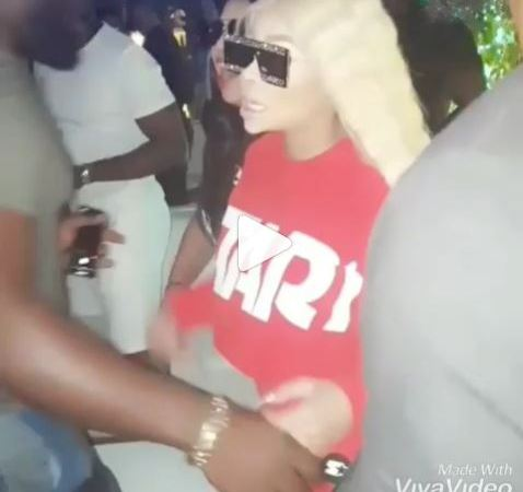 Watch The Moment Nigerian Man Tried To Hug Blac Chyna But She Stop Him