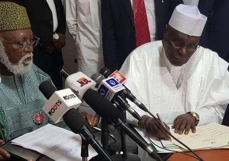 Atiku And ACPN Presidential Candidate Sign The Peace Accord