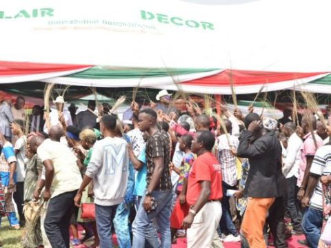 Chapter Excos, Other 25,000 Members Defect To PDP As Tsunami Hits APC In Akwa Ibom