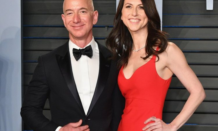 Jeff Bezos To Divorce Wife Of 25 Years