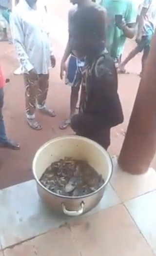 Man Kills Lady, Uses Her Corpse To Cook Peppersoup For Sale In Calabar