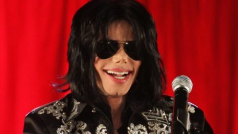 Michael Jackson Fans Sue Alleged Sexual Abuse Victims