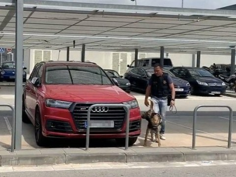 Sniffer Dog Checked Messi And Suarez's Cars After Bomb Threat