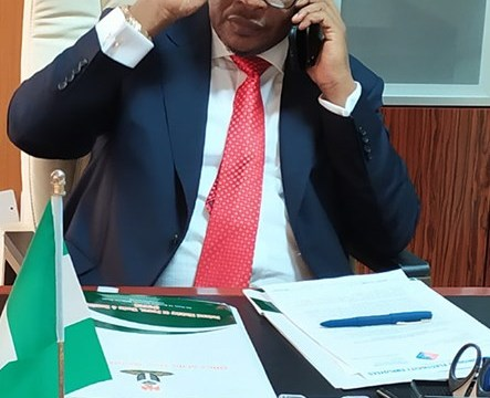 How The Minister Of Power For State, Goddy Jedy-Agba Begins His Day At Office
