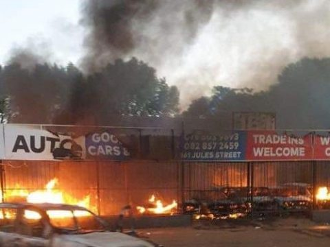 #SayNoToXenophobia: Many Killed As South Africans Again Attack, Loot And Burn Foreign-owned Properties