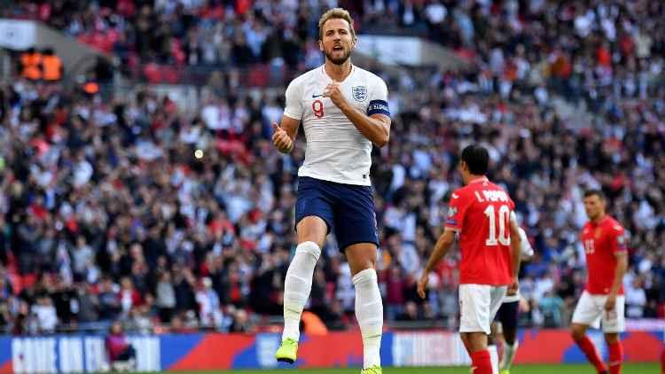 Kane, Sterling star as England beat Bulgaria