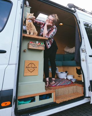 In Order To Take Their Cat On Tour Of 28-Countries In Van, Couple Sell Belongings