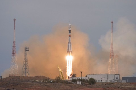 United States Astronauts Land In Orbit, 9 Years After